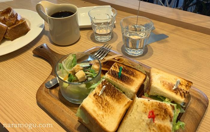 田原本 食パン