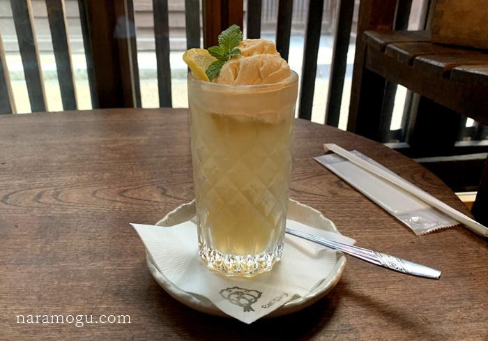 おにみみコーラフロートを今井町のカフェ em.sky 笑夢空(エムスカイ)さんで頂きました